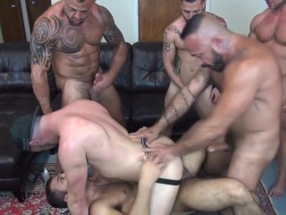 Gang Bang double penetration